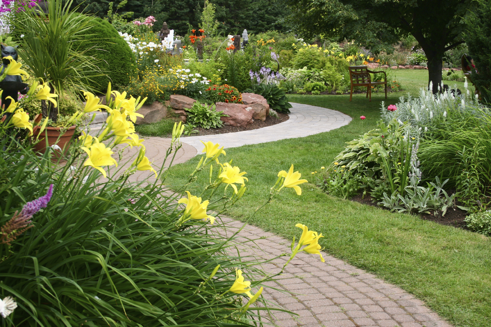 Landscaping services that keeps your property looking its best